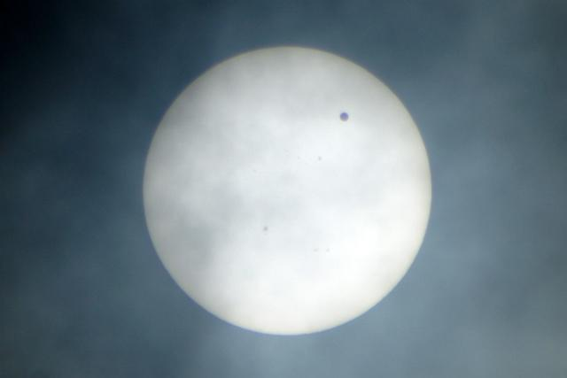 6.6 金星の太陽面通過。
